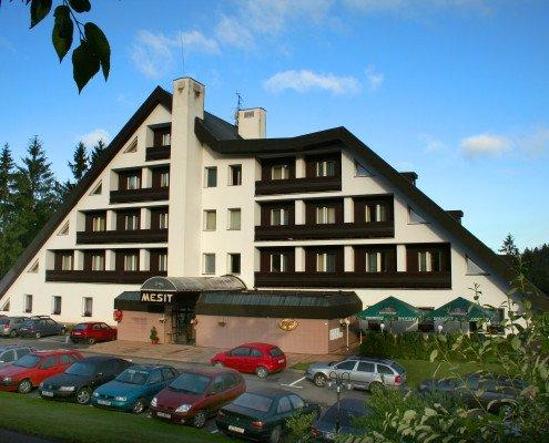 Hotel Mesit léto