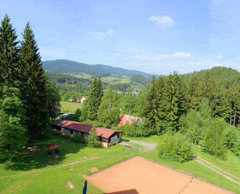 Výhled na západ z hotelu Mesit