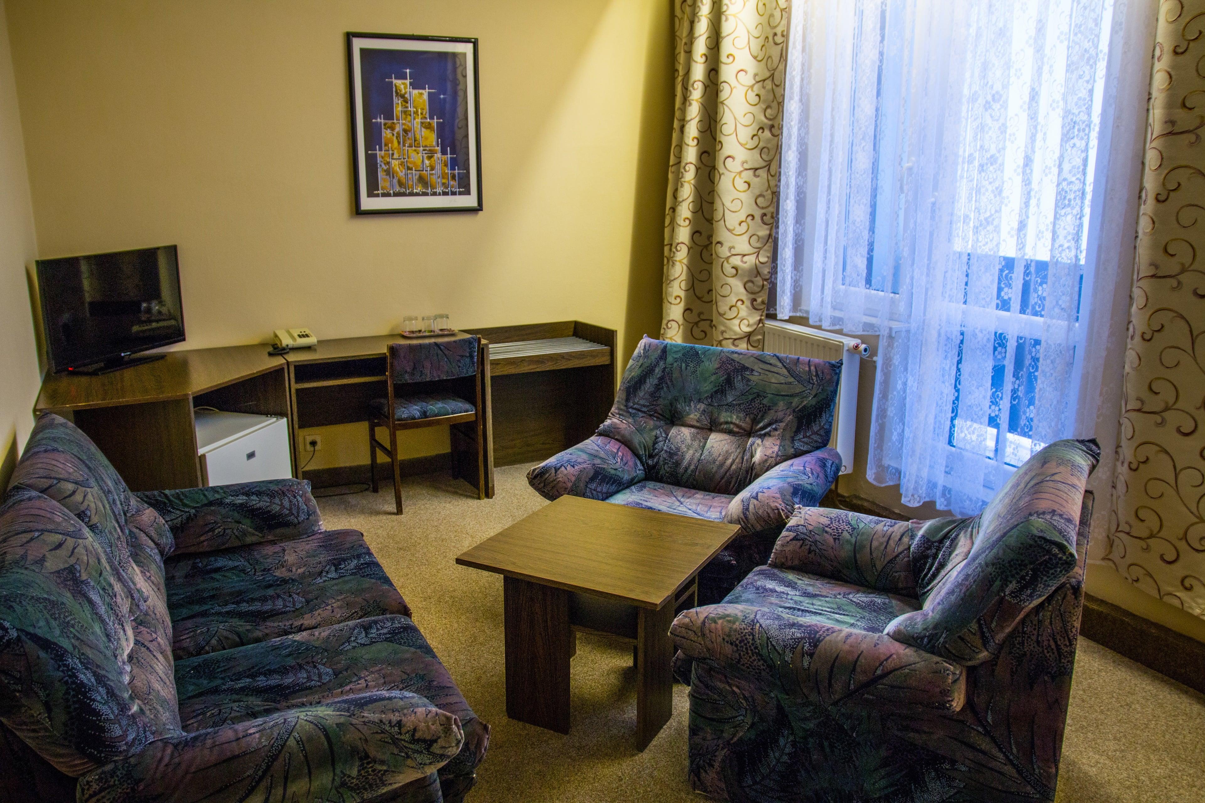 Obývací část - třílůžkové a větší pokoje