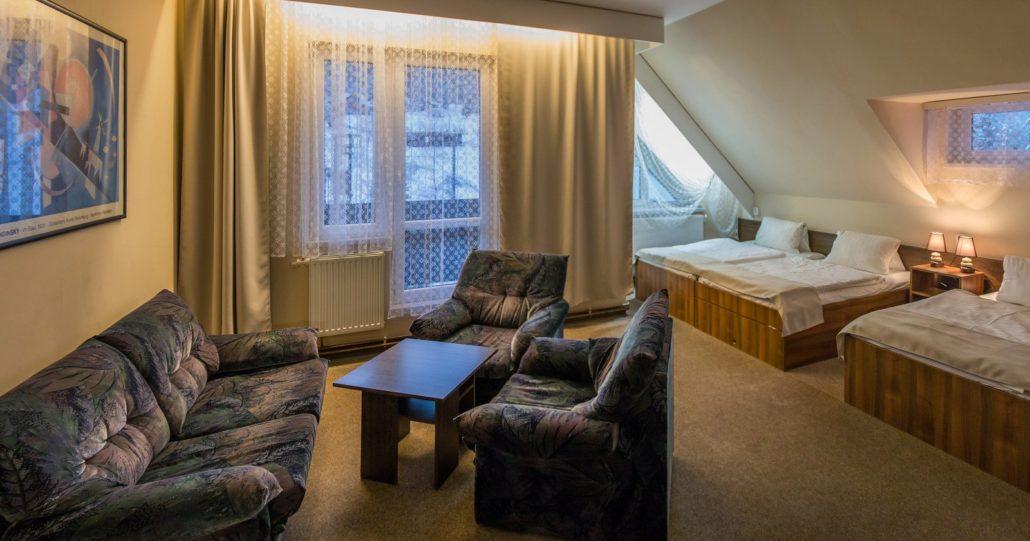 Čtyřlůžkový klasický pokoj v hotelu Mesit