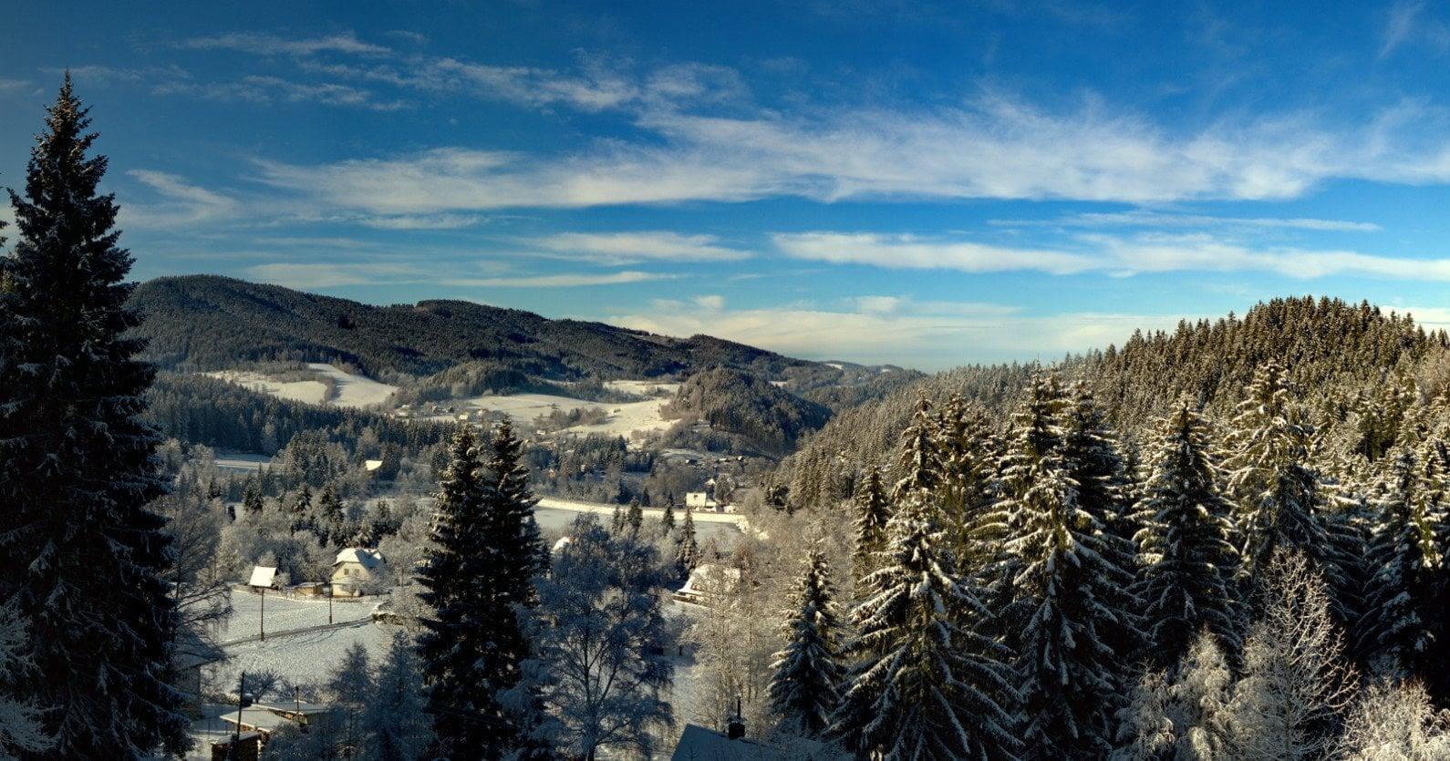 Výhled v zimě z hotelu Mesit